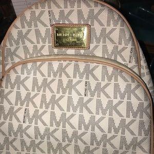 Michael Kors Backpack *Real